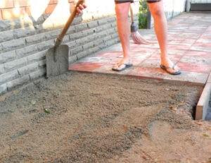 Как правильно положить плитку тротуарную