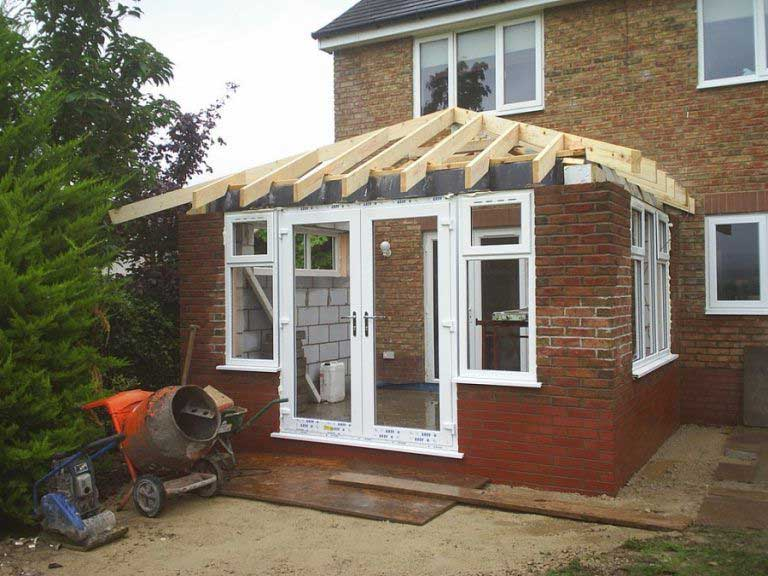 Строительство крыши к дому