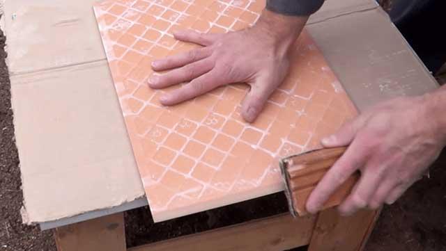 Как обработать края плитки