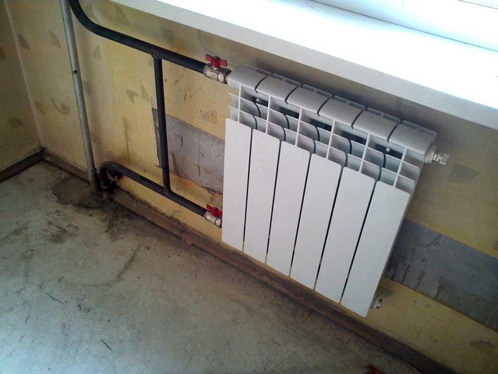 Как установить радиатор отопления самостоятельно в доме