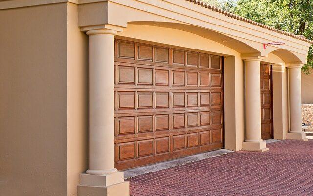 Как построить недорого гараж