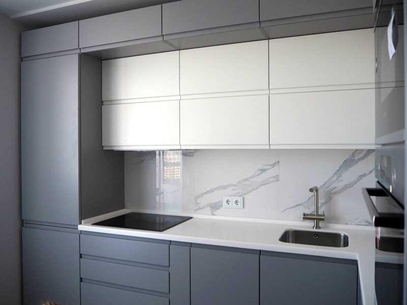 Кухонная мебель без ручек