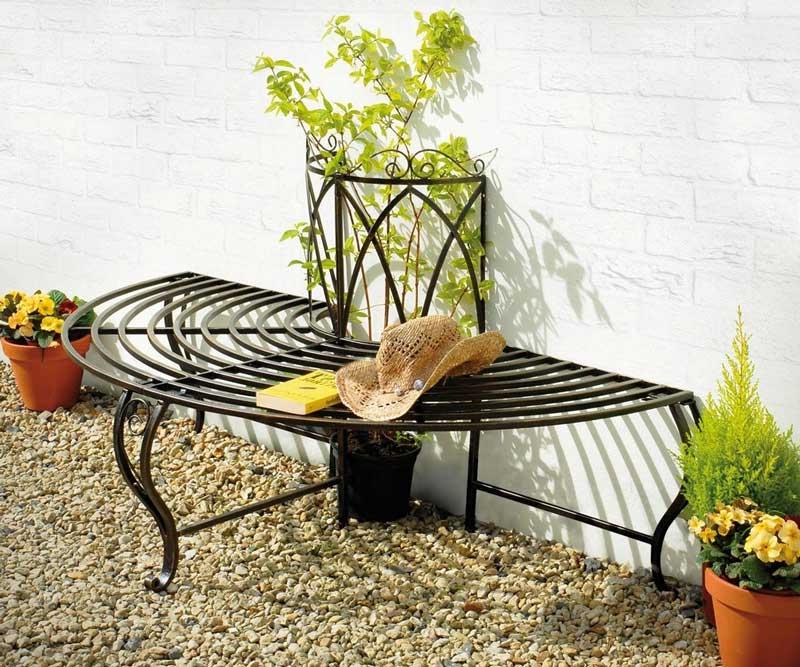 Как использовать кованую садовую мебель