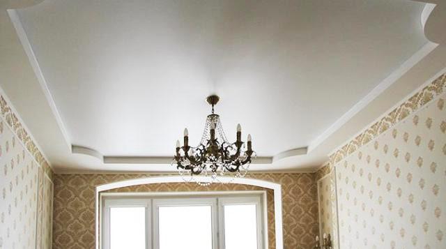 Варианты отделки потолков в маленьких комнатах