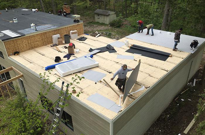 Как правильно сделать плоскую крышу на частном доме