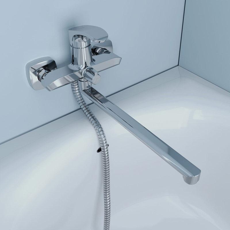 Смеситель для ванны настенный