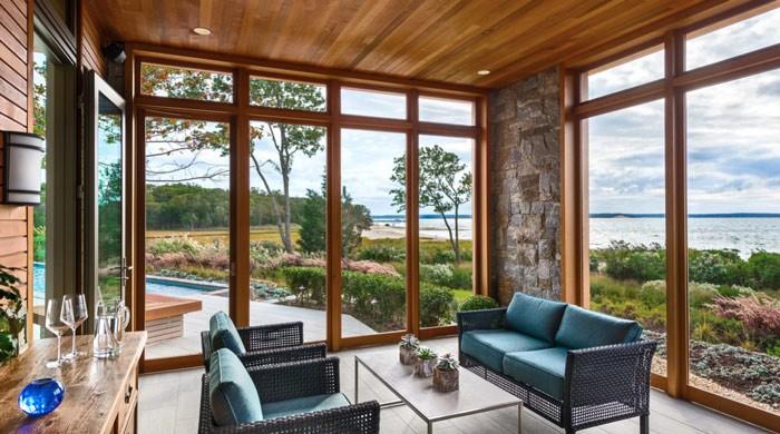 Почему стоит выбрать деревянные оконные рамы