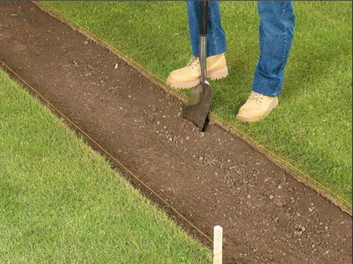 Как установить бордюры для садовых дорожек