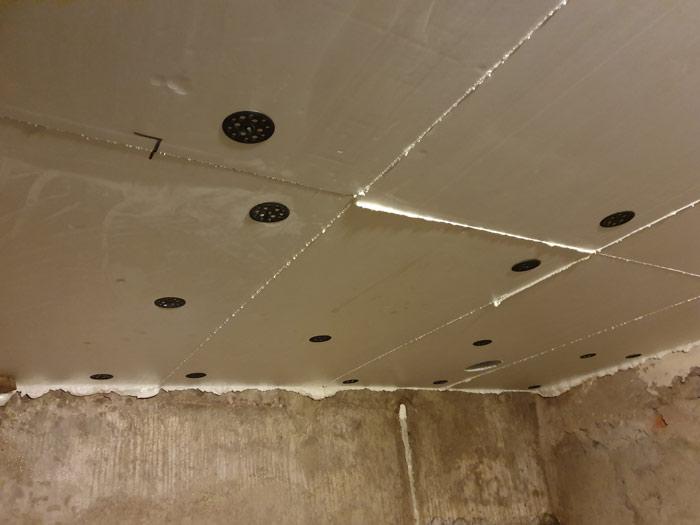 Как утеплить потолок гаража