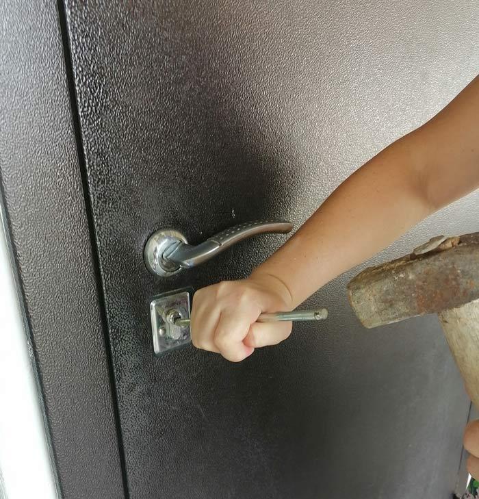 Как взломать металлическую дверь